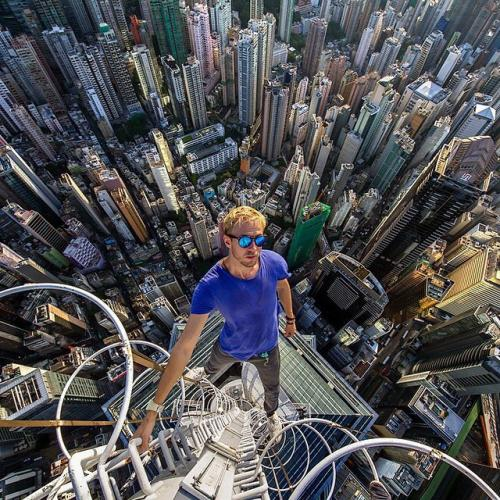 Creative-Photo-Ideas-for-Real-Daredevils-6