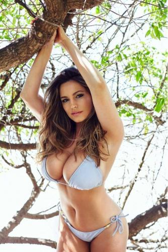 Kelly Brook 48